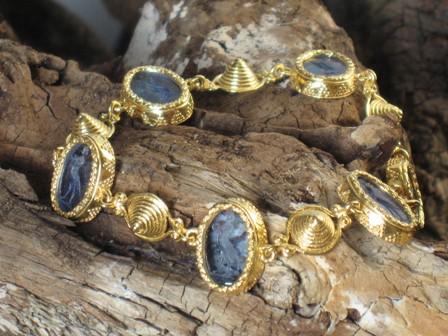 immagini di gioielli antichi